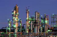 Petroleum industry ; oil ; refining; petrochemical ; plant ; dusk ;. Houston Texas.