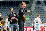 Trainer Martin Schwalb (Rhein Neckar Löwen) nicht ganz einverstanden - beim Bundesligaspiel: Rhein Neckar Loewen gegen SC DHfK Handball Leipzig am 15.10.2020 in der SAP-Arena in Mannheim<br /> <br /> Foto © PIX-Sportfotos *** Foto ist honorarpflichtig! *** Auf Anfrage in hoeherer Qualitaet/Aufloesung. Belegexemplar erbeten. Veroeffentlichung ausschliesslich fuer journalistisch-publizistische Zwecke. For editorial use only.