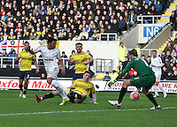 Jefferson Montero of Swansea scores the opening goal   during the Emirates FA Cup 3rd Round between Oxford United v Swansea     played at Kassam Stadium  on 10th January 2016 in Oxford