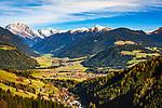 Italien, Suedtirol (Trentino - Alto Adige): Blick von der Furkelpass-Strasse auf Mitterolang und Niederrasen   Italy, South Tyrol ( Trentino - Alto Adige): view from Furkel Pass Road towards Valdaora and Rasun Anterselva, district Rasun di Sotto