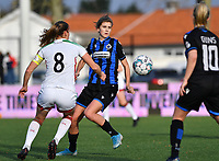 OHL's Lenie Onzia pictured in a duel with Marie Minnaert (13 Brugge) during a female soccer game between Club Brugge Dames YLA and Oud Heverlee Leuven on the 8 th matchday of the 2020 - 2021 season of Belgian Scooore Womens Super League , saturday 21 th November 2020  in Knokke , Belgium . PHOTO SPORTPIX.BE | SPP | DAVID CATRY