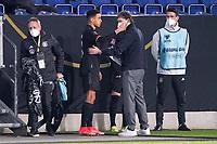 Co-Trainer Marcus Sorg (Deutschland Germany) bereitet Jamal Musiala (Deutschland Germany) auf sein Debüt vor - 25.03.2021: WM-Qualifikationsspiel Deutschland gegen Island, Schauinsland Arena Duisburg