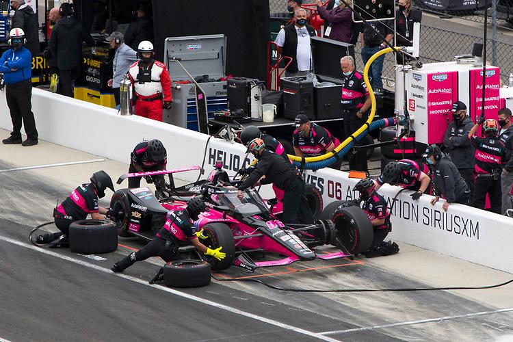 #06: Helio Castroneves, Meyer Shank Racing Honda pit stop practice
