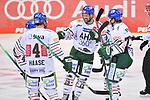 Torjubel nach dem 1:2 bei Henry Haase (Nr.4 - Augsburger Panther), Drew LeBlanc (Nr.19 - Augsburger Panther), Wade Bergman (Nr.47 - Augsburger Panther) und Jaroslav Hafenrichter (Nr.77 - Augsburger Panther) beim Spiel in der Gruppe Sued der DEL, ERC Ingolstadt (dunkel) - Augsburger Panther (hell).<br /> <br /> Foto © PIX-Sportfotos *** Foto ist honorarpflichtig! *** Auf Anfrage in hoeherer Qualitaet/Aufloesung. Belegexemplar erbeten. Veroeffentlichung ausschliesslich fuer journalistisch-publizistische Zwecke. For editorial use only.