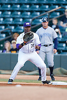 Winston-Salem Dash first baseman Keon Barnum (20) waits for a throw during the Carolina League game against the Wilmington Blue Rocks at BB&T Ballpark on April 5, 2014 in Winston-Salem, North Carolina.  The Dash defeated the Blue Rocks 3-2.  (Brian Westerholt/Four Seam Images)