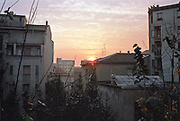 Milano, quartiere Bovisa, periferia nord. Tramonto --- Milan, Bovisa district, north periphery. Sunset