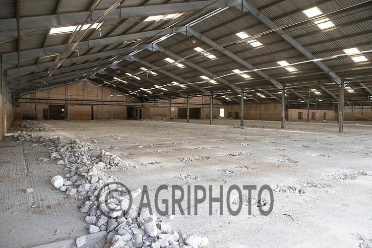 24-9-2021 Newark livestock market being demolished <br /> ©Tim Scrivener Photographer 07850 303986<br />      ....Covering Agriculture In The UK....