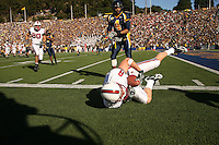 2 December 2006: Evan Moore makes a one-handed catch during Stanford's 26-17 loss to Cal in the 109th Big Game at Memorial Stadium in Berkeley, CA.