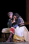 UN VIOLON SUR LE TOIT..Auteur : STEIN Joseph..Adaptateur : LAPORTE Stephane..Mise en scene : DESCHAUX Jeanne..Decor : TAPIERMAN Serge..Avec :..WILMET Alain:TEVYE le laitier..MUNIER Amelie:TZEITEL..Lieu : Le Palace..Ville : Paris..Le : 18 02 2010..© Laurent PAILLIER / photosdedanse.com..All rights reserved