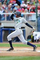 Cedar Rapids Kernels outfielder Byron Buxton #7 during a game against the Beloit Snappers on May 23, 2013 at Pohlman Field in Beloit, Wisconsin.  Beloit defeated Cedar Rapids 5-3.  (Mike Janes/Four Seam Images)