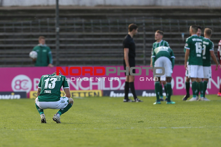 17.10.2020, Dietmar-Scholze-Stadion an der Lohmuehle, Luebeck, GER, 3. Liga, VfB Luebeck vs SG Dynamo Dresden <br /> <br /> im Bild / picture shows <br /> Schlusspfiff der VfB Lübeck/Luebeck verliert 0:1 gegen SG Dynamo Dresden, vorne Marvin Thiel (VfB Luebeck) <br /> <br /> DFB REGULATIONS PROHIBIT ANY USE OF PHOTOGRAPHS AS IMAGE SEQUENCES AND/OR QUASI-VIDEO.<br /> <br /> Foto © nordphoto / Tauchnitz