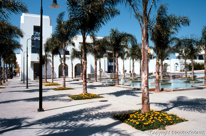 Charles Moore: Oceanside City Hall--Fountain Plaza, southwest corner. (Photo '91)