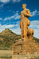 Europe, Espagne, Navarre, env de Carcastillo : Parc Naturel des Bardenas Reales, Le 18 septembre, El Paso :  Monument au berger // Europe, Spain, Navarre, near Carcastillo :  Monument to the shepherd