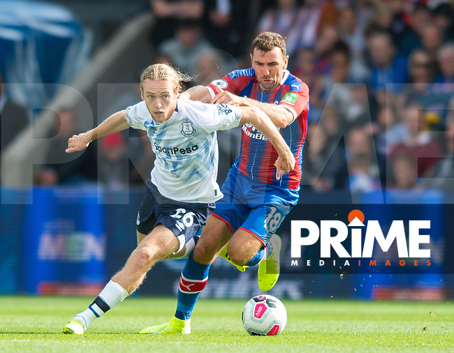 Everton Tom Davies and Crystal Palace James McArthur during the Premier League match between Crystal Palace and Everton at Selhurst Park, London, England on 10 August 2019. Photo by Andrew Aleksiejczuk / PRiME Media Images.