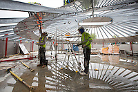 Construction of the roof section of the primary digester
