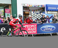 Sunday 3rd August 2014<br /> Pictured: Geraint Thomas <br /> RE: Welsh cyclist Geraint Thomas cycling at the Glasgow Commonwealth Games, Men's Road Race, on Byres Road, Glasgow, Scotland