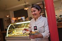 Amérique/Amérique du Nord/Canada/Québec/Montréal: Stéphanie Labelle, Pâtisserie Rhubarbe [Non destiné à un usage publicitaire - Not intended for an advertising use]