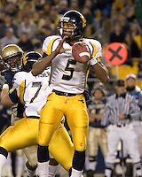 16 November 2006: WVU quarterback Pat White..The West Virginia Mountaineers defeated the Pitt Panthers 45-27 on November 16, 2006 at Heinz Field, Pittsburgh, Pennsylvania.