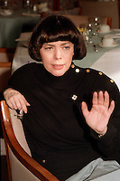 Montreal (qc) CANADA - file Photo - 1990 - <br /> <br /> <br />  - singer Mireille Mathieu  exclusive interview photo -