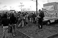 milano, in concomitanza con l'inaugurazione dell'anno accademico al politecnico bovisa gli studenti tengono un presidio di protesta contro la riforma dell'istruzione --- milan, during the inauguration of the academy year at the bovisa Polytechnic University, students protest against the school reform