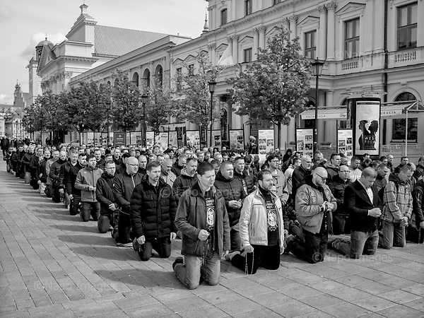 Warsaw 04.05.2019 Poland<br /> Hundreds of men meet at Warsaw Old Town every first Saturday of month for male-only rosary prayer.<br /> Photo: Adam Lach