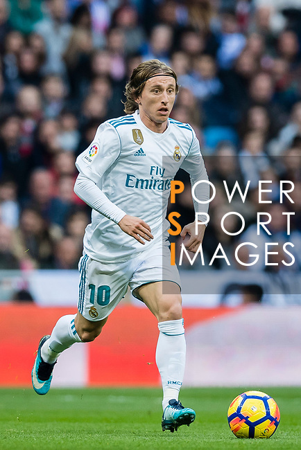 Luka Modric of Real Madrid in action during the La Liga 2017-18 match between Real Madrid and Sevilla FC at Santiago Bernabeu Stadium on 09 December 2017 in Madrid, Spain. Photo by Diego Souto / Power Sport Images