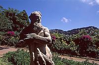 Italien, Capri, Statue in Augustgärten - Giardini di Augosto in Ort Capri...
