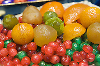 Italien, Umbrien, Verkauf von kandierten Früchten in Foligno