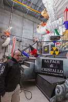 """Europe, Italy, Tuscany, Viareggio, Fabrizio Galli, presents in his laboratory the chariot entitled """"the peace of crystal."""" The inspiration came from the nuclear, from its awakening, from the arms race. A large overturned dove resting on an atomic mushroom brings kim jong-un surrounded by the """"big"""" of the earth: Putin Tramp and xi jnping"""