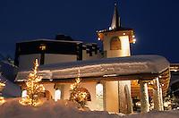 Europe/France/Rhone-Alpes/73/Savoie/Val-Thorens : Le clocher le plus haut d'Europe, vue de nuit