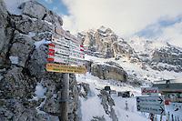 - Cortina d'Ampezzo, Arrow in the Sky cable car station....- Cortina d'Ampezzo, stazione della funivia Freccia nel Cielo