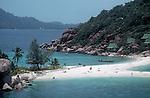 Thailand, Beaches, Swimmers, Bungalows, Nang Yuan resort, Ko Nang Yuan, Gulf of Thailand, Southeast Asia,.