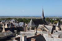 Europe/France/Pays de la Loire/44/Loire-Atlantique/Parc Naturel Régional de Brière/Guérande: La Collégiale Saint-Aubin et les toits de la ville close  vue depuis les remparts