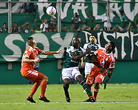 PALMIRA - COLOMBIA, 18-10-2018: Kevin Balanta (Izq) del Deportivo Cali disputa el balón con Avimiled Rivas (Der) de América de Cali durante partido por la fecha 15 de la Liga Aguila II 2017 jugado en el estadio Palmaseca de Cali. / Kevin Balanta (L) player of Deportivo Cali fights for the ball with Avimiled Rivas (R) player of America de Cali during match for the date 15 of the Aguila League II 2017 played at Palmaseca stadium in Cali.  Photo: VizzorImage/ Nelson Rios / Cont