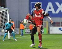 KV Kortrijk - Standard : Pablo Chavarria vastgehouden door Reginal Goreux..foto VDB / BART VANDENBROUCKE