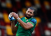 6th February 2021; Brentford Community Stadium, London, England; Gallagher Premiership Rugby, London Irish versus Gloucester; Steve Mafi of London Irish catching the ball from the line out