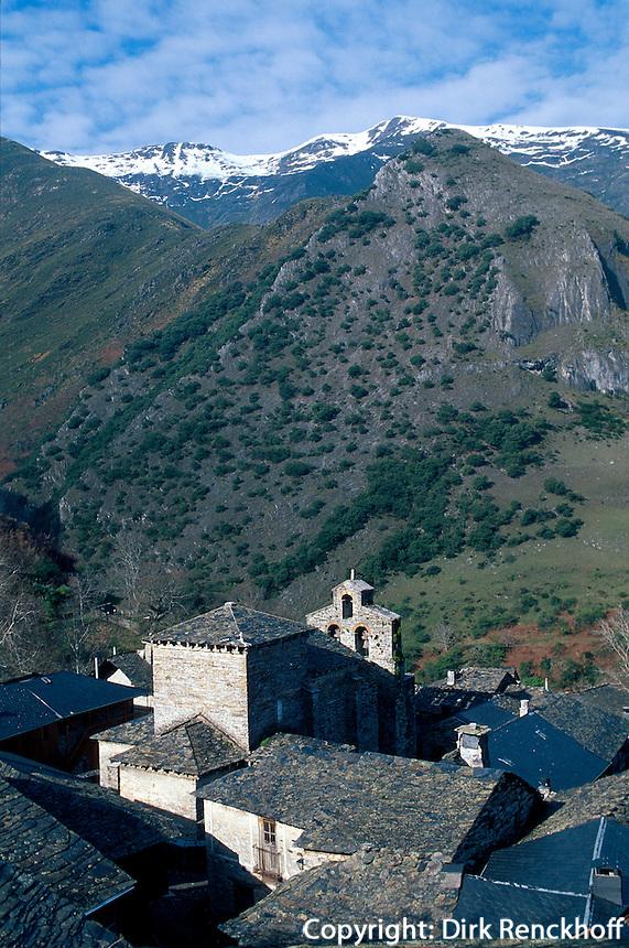 mozarabische Kirche in  Peñalba de Santiago, Kastilien-León, Spanien.