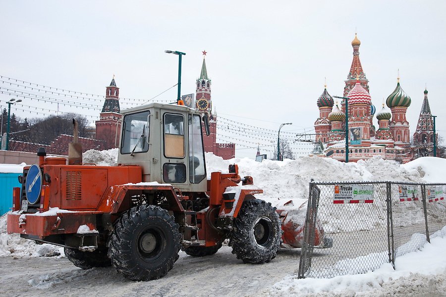 Moscow, Russia, 23/02/2010..Workers use snow ploughs to help clear Red Square after record amounts of snow fell over the weekend, the heaviest in the Russian capital for nearly 50 years.