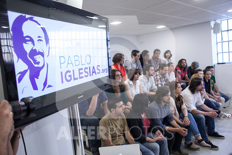 """`Podemos´ political party members during the presentation of """"Ruta del Cambio"""" - Pablo Iglesias Tour in Madrid, Spain. June 18, 2015. (ALTERPHOTOS/Victor Blanco)"""