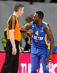 Maccabi Electra Tel Aviv's Jeremy Pargo have words with the referee during Euroleague match.March 27,2015. (ALTERPHOTOS/Acero)