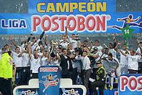 MEDELLÍN -COLOMBIA-21-05-2014. Jugadores del Atlético Nacional celebran el título como Campeones de la Liga Postobón I 2014 después de derrotar al Atletico Junior en partido de vuelta de la final jugado en el estadio Atanasio Girardot de la ciudad de Medellín./ Atlético Nacional Players celebrate as a champions of Postobon League I 2014 after defeated Atletico Junior in the second leg match of the final played at Atanasio Girardot stadium in Medellin city. Photo: VizzorImage/Luis Ríos/STR