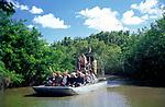 USA, Florida, Everglades: mit dem Airboat durch die Suempfe   USA, Florida, Everglades: airboat ride