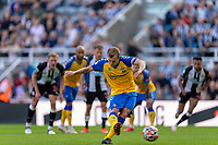 28th August 2021; St James Park, Newcastle upon Tyne, England; EPL Premier League football, Newcastle United versus Southampton; James Ward-Prowse of Southampton scores a last minute penalty to make it 2-2