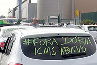 Campinas (SP), 11/01/2021 - Protesto - Protesto de lojistas multimarcas de veículos seminovos e usados, nesta segunda-feira (11) sairam em carreata de frente o Campinas Shopping, na cidade de Campinas (SP),  devido o aumento de 207% no Imposto sobre Circulação de Mercadorias e Serviços (ICMS) sobre a compra e venda de veículos usados a partir do dia 15.