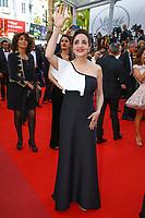 Dominique Blanc sur le tapis rouge pour la projection du film MISE A MORT DU CERF SACRE lors du soixante-dixième (70ème) Festival du Film à Cannes, Palais des Festivals et des Congres, Cannes, Sud de la France, lundi 22 mai 2017. Philippe FARJON / VISUAL Press Agency