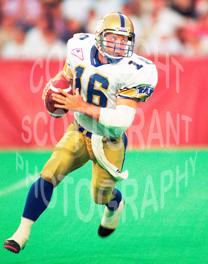 Matt Dunigan Winnipeg Blue Bombers quarterback. Copyright photograph Scott Grant