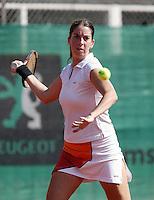 16-8-06,Amsterdam, tennis , NK,  Quarter final match, Danielle Harmsen