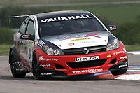 Round 2 of the 2005 British Touring Car Championship. #88. Gavin Smith (IRL). VX Racing. Vauxhall Astra Sport Hatch.
