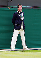 27-06-13, England, London,  AELTC, Wimbledon, Tennis, Wimbledon 2013, Day four, Linesman<br /> <br /> <br /> <br /> <br /> Photo: Henk Koster