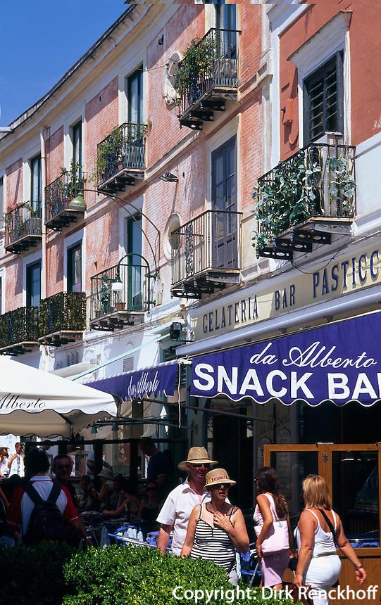Italien, Capri, Snackbar an der Via Roma in Ort Capri.
